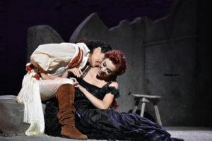 Festival della Valle d'Itria_Leonor Bonilla (Giulietta) e Raffaella Lupinacci (Romeo)_Ph Fabrizio Sansoni_2