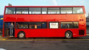 dennis parole in movimento bus libri